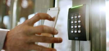 Mit dem Smartphone Türen öffnen
