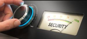 Umdrehen eines Knopfes bis zur maximalen Sicherheitsstufe