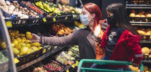 Der Einzelhandel kann dank Netzwerk-Audio auch in Krisenzeiten attraktiv für Kunden bleiben.