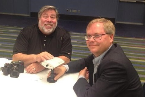 Apple's Steve Wozniak and Axis' Martin Gren with the first AXIS 200 network camera.