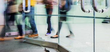 A guide to choosing the right door controller for your business