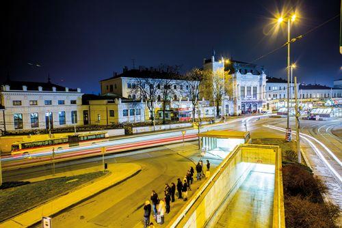 city evening traffic