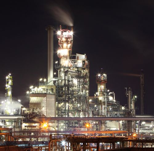 Night view of a gas refinery