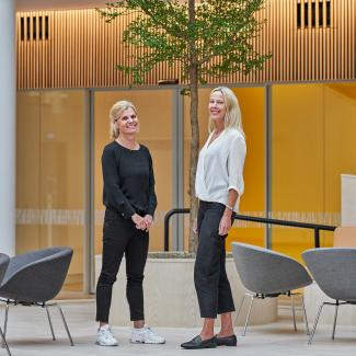 Åsa Krantz, architect and interior designer from Landén + Krantz, and Linn Ahlström, Real Estate & Facilities Manager at Axis.