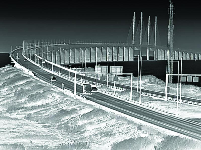 Axis Q1942-E Thermal IP Camera view over bridge from Sweden to Denmark