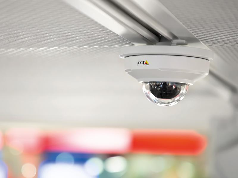Axis M3064 mounted in ceiling in retail store