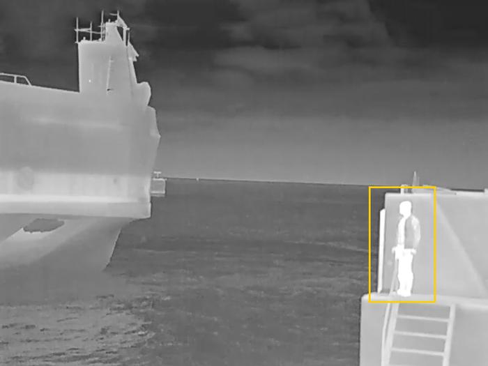 AXISのQ1942-Eサーマルネットワークカメラ 自動利得制御