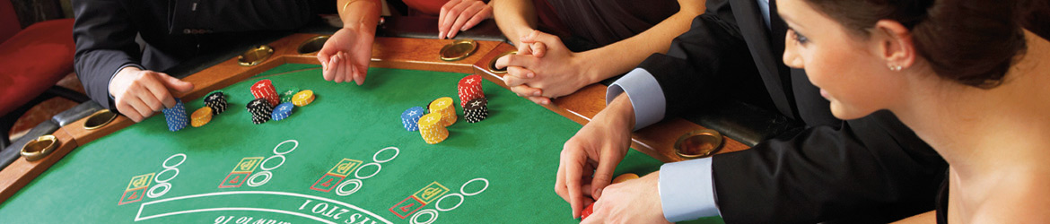 Casinos - casinoplayers at table